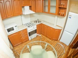 Продажа квартир: 2-комнатная квартира, Хабаровск, Тихоокеанская ул., 10, фото 1