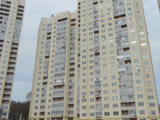 Продажа квартир: 3-комнатная квартира, Саратов, Шелковичная ул., 177, фото 1