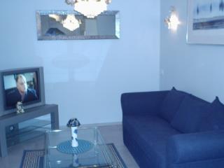 Аренда квартир: 2-комнатная квартира, Москва, Таллинская ул., 11к1, фото 1
