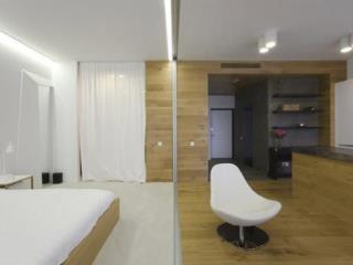 Продажа квартир: 1-комнатная квартира, Краснодарский край, Сочи, ул. Роз, 27, фото 1