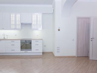 Продажа квартир: 3-комнатная квартира, Краснодарский край, Сочи, Первомайская ул., 27, фото 1