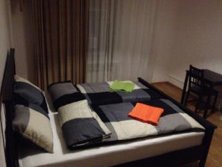 Аренда квартир: 4-комнатная квартира, Тюменская область, Тобольск, мкр. 10-й, 9, фото 1