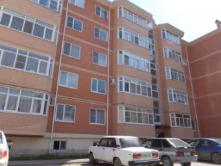 Продажа квартир: 1-комнатная квартира, республика Адыгея, Тахтамукайский р-н, пгт. Яблоновский, Солнечная ул., 43, фото 1