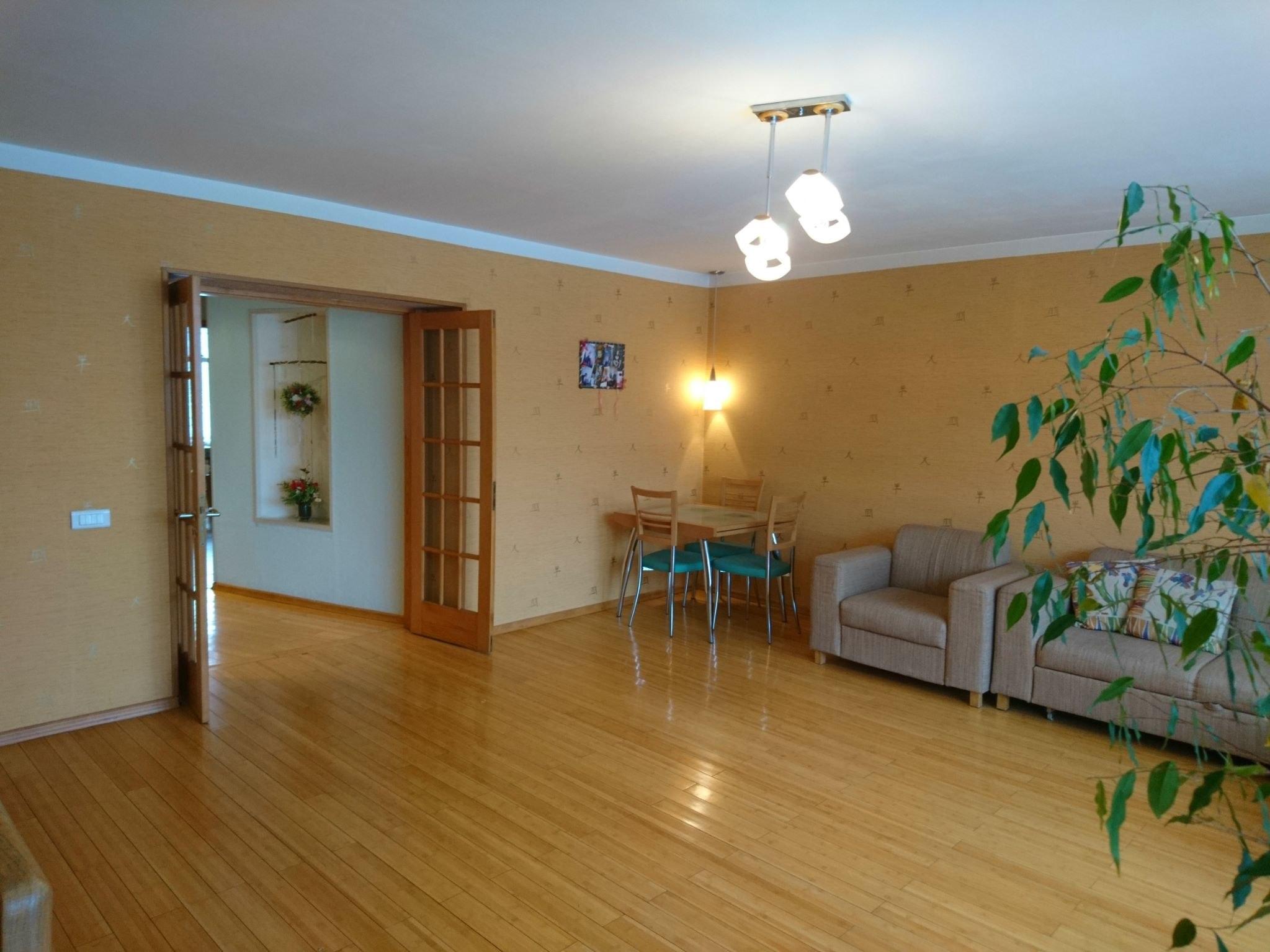 Продажа квартир: 3-комнатная квартира, Иркутск, ул. Карла Либкнехта, 99, фото 1