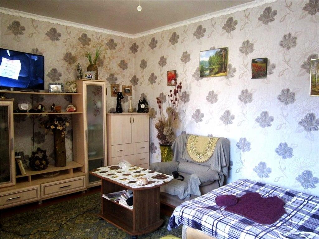 Продажа квартир: 4-комнатная квартира, Краснодарский край, Крымск, ул. Ленина, 180, фото 1